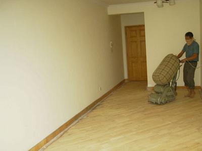 地板怎么翻新